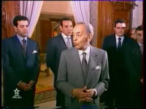 SM le Roi Mohammed VI, Amir Al-Mouminine, que Dieu L'assiste, accompagné de SAR le Prince Héritier Moulay El Hassan, SAR le Prince Moulay Rachid et de SA le Prince Moulay Ismail, a présidé, vendredi au Mausolée Mohammed V à Rabat, une veillée religieuse en commémoration du 13ème anniversaire de la disparition de feu SM Hassan II, que Dieu ait son âme en sa sainte miséricorde amen. dans Liens feusmleroihassan2